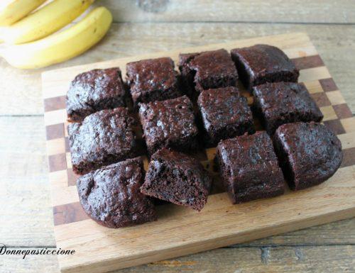 Bownies veloci alla banana e cioccolato