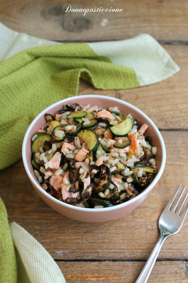 riso con salmone fresco e zucchine