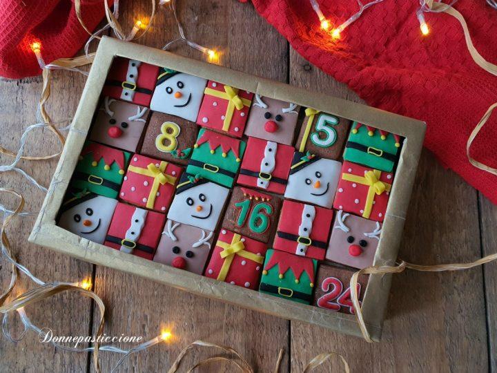 calendario dell'avvento con biscotti decorati
