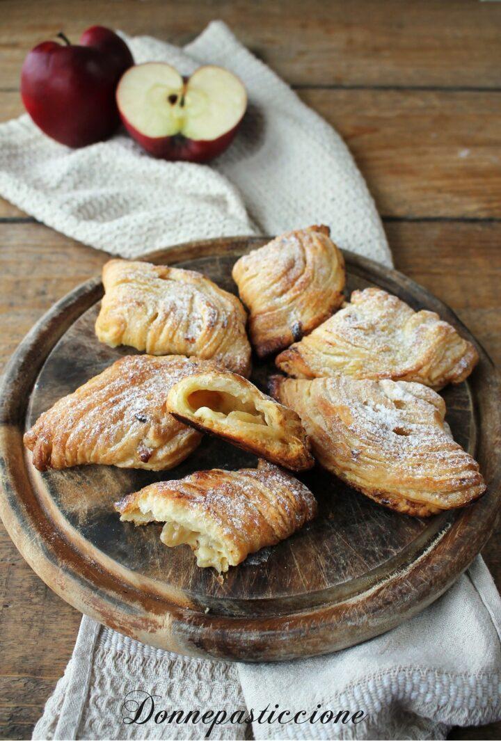 sfogliatelle con pasta sfoglia, crema e mele