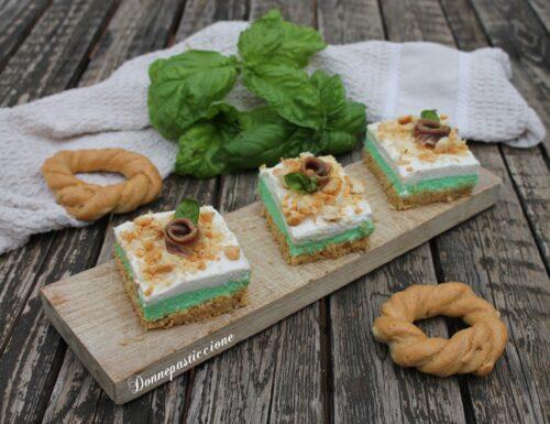 Cheesecake salata con pesto e acciughe