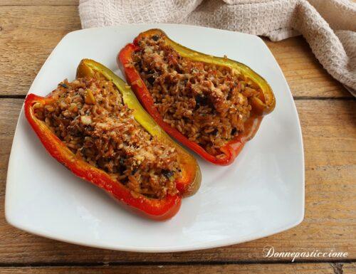Peperoni ripieni di riso vegetariani