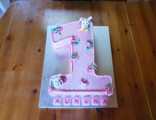 Torta 1 anno rosa con coniglietti