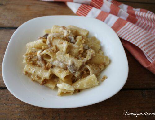 Rigatoni con pancetta fresca e fonduta di provolone