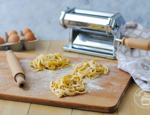 pasta fresca fatta in casa a mano e col bimby