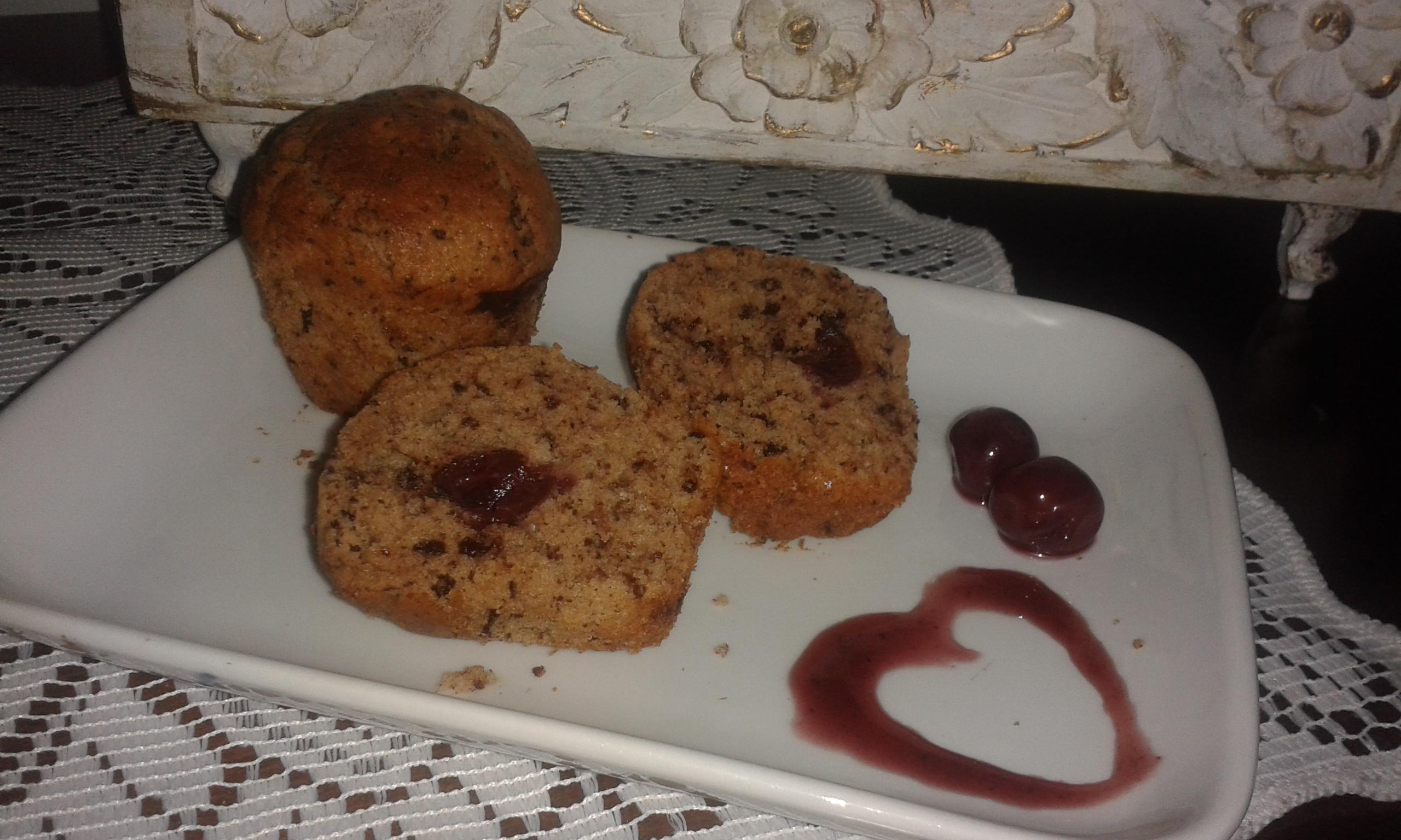 muffin al cioccolato con cuore all'amarena