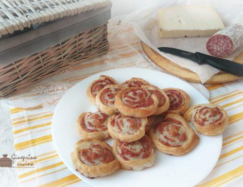 girelle di sfoglia ripiene di salame e formaggio