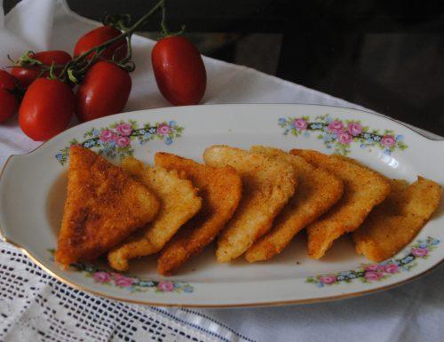 triangolini fritti con prosciutto e formaggio