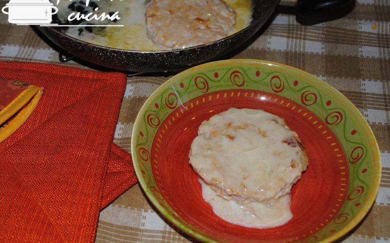 medaglioni di tacchino con prosciutto e formaggio