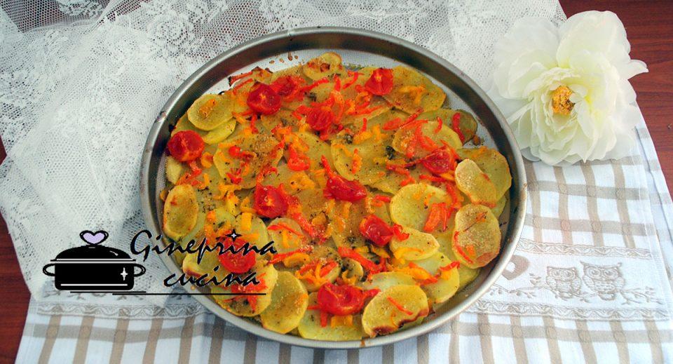 teglia di patate e peperoni al forno