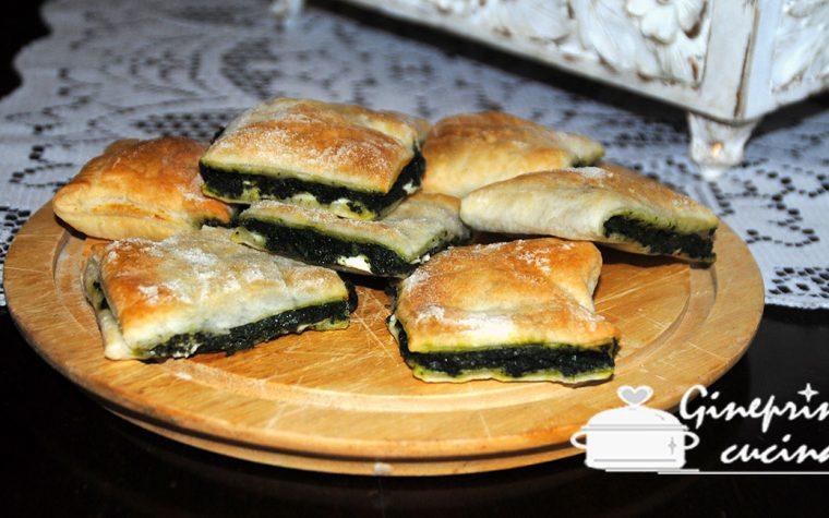 fagottini sfogliati con spinaci e caprino