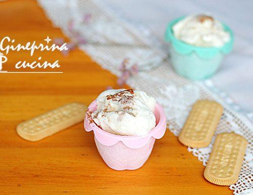 gelato allo yogurt al profumo di cannella