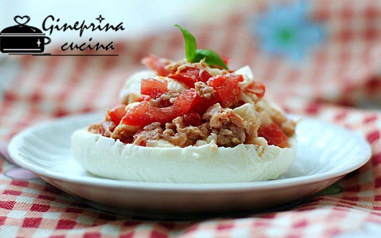 mozzarella ripiena pomodori e tonno