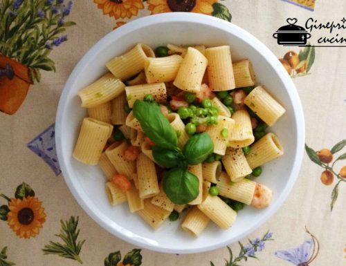 rigatoni con gamberetti e pisellini al profumo di basilico