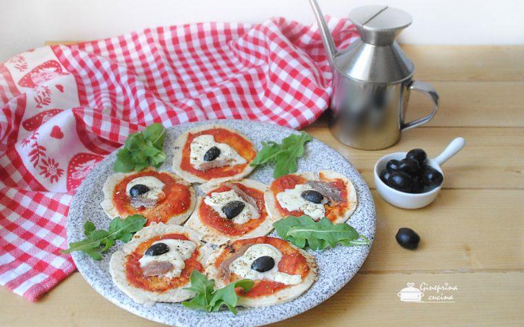 Pizzette velocissime con piadina
