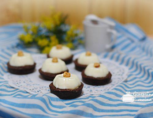 tartellette di frolla al cacao con panna cotta ai due gusti