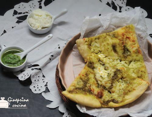 pizza al pesto di basilico genovese