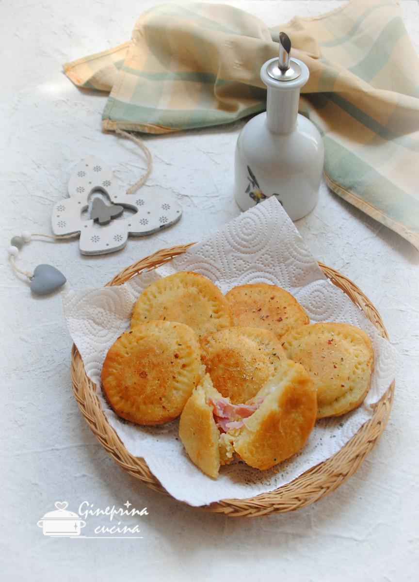 focaccette di patate con prosciutto e stracchino