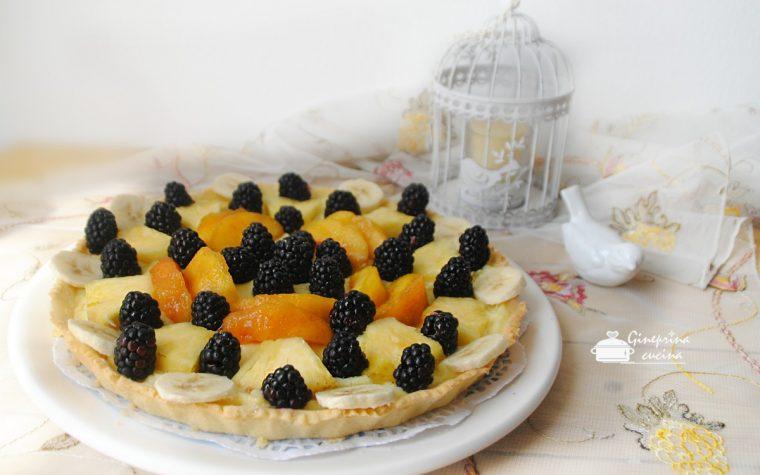 crostata alla frutta con crema leggera