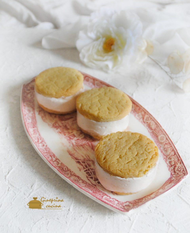 biscotti di frolla con gelato