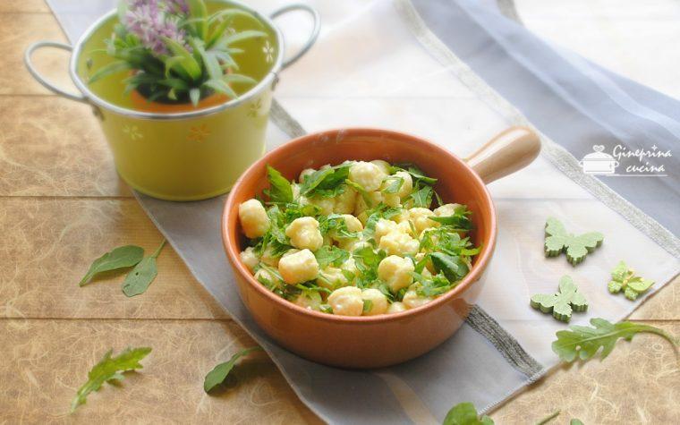 gnocchi di patate con gorgonzola e rucola