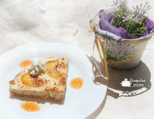 cheesecake con ricotta e pesche