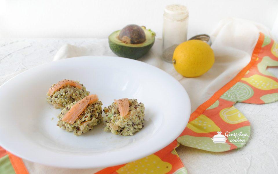 quenelle di quinoa con salmone e avocado