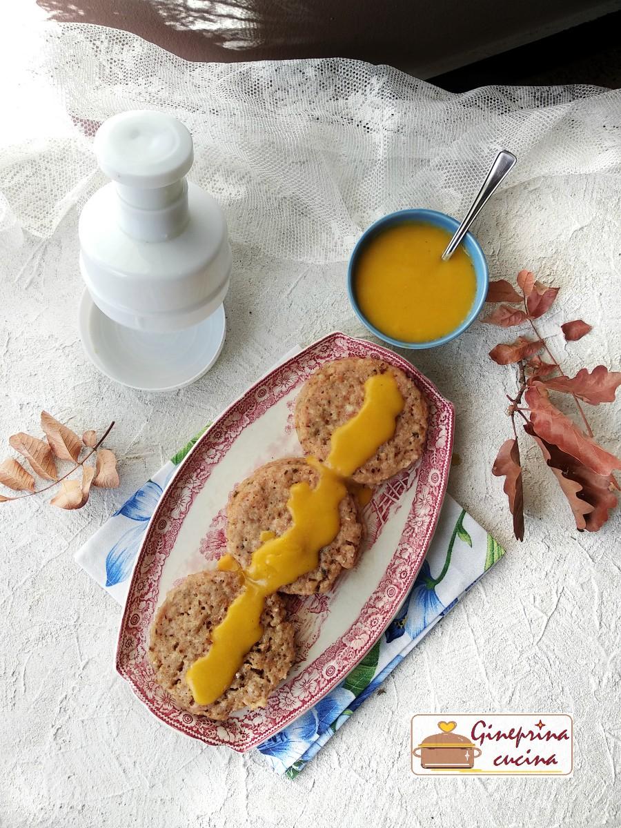medaglioni di prosciutto e formaggio con salsina