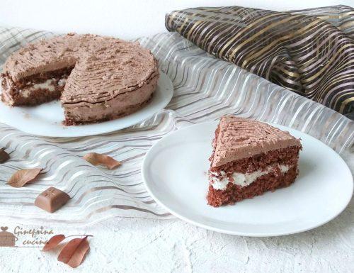 torta al cacao con panna