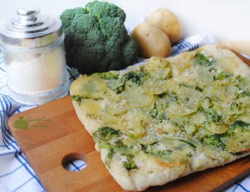 focaccia rovesciata patate e broccoli