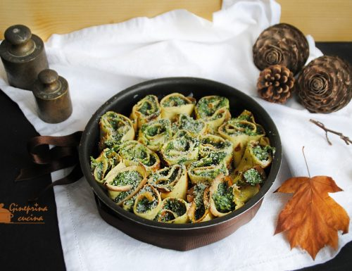 rotolini di crepes agli spinaci