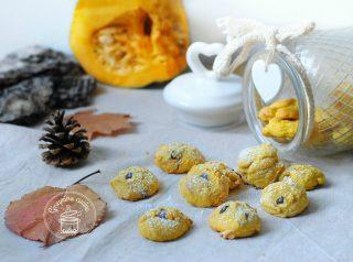 biscottini alla zucca con gocce di cioccolato