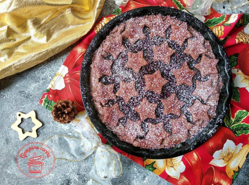 crostata al cacao con confetura ai frutti di bosco