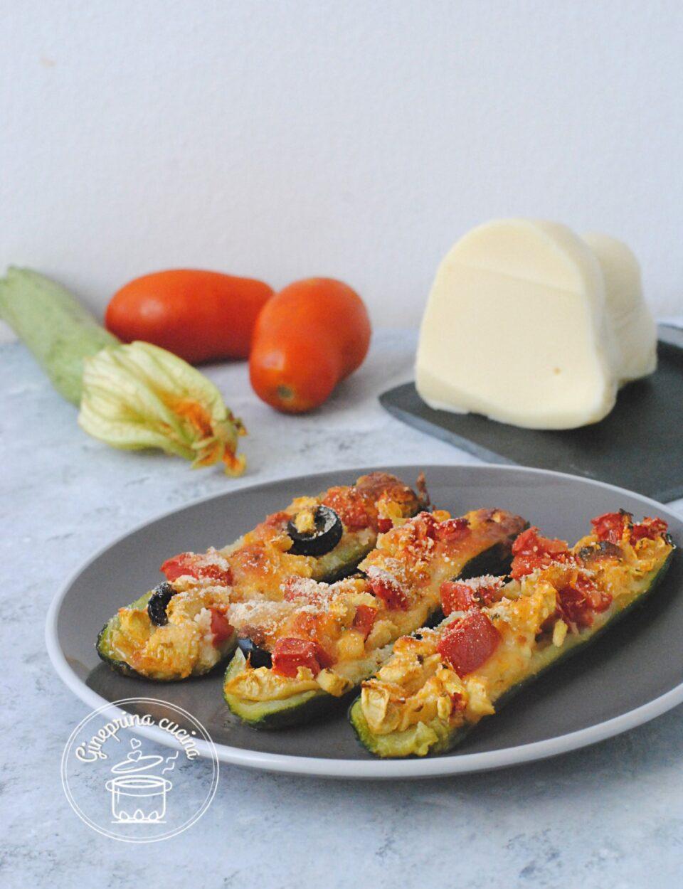 zucchine ripiene al formaggio e pomodoro
