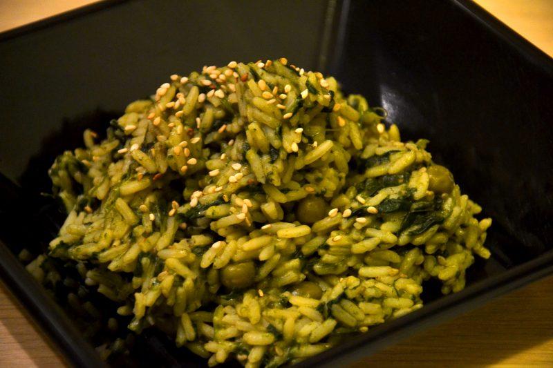Riso con semi di sesamo tostati e verdure