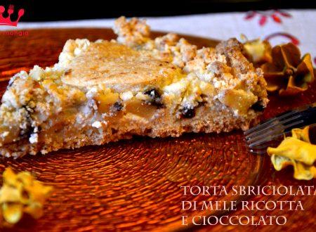 Torta sbriciolata di mele ricotta e cioccolata