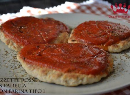 Pizzette rosse cotte in padella con farina tipo 1