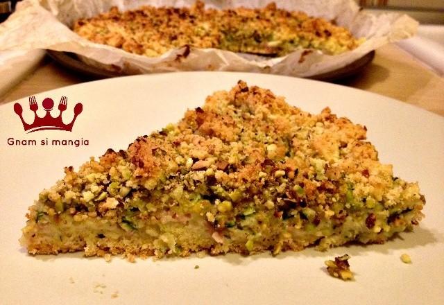 Sbriciolata salata con stracchino zucchine e mortadella