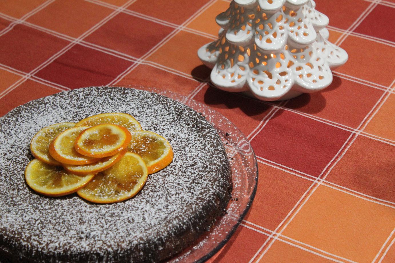 Risultati immagini per Torta morbida di arancia, nocciole e cioccolato