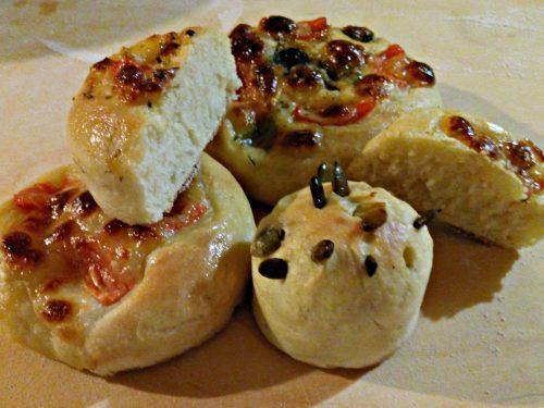 Focaccine salate – Salty flat buns
