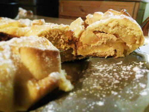 Ciambrolla con ricotta e mele – Ciambrolla with ricotta and apples