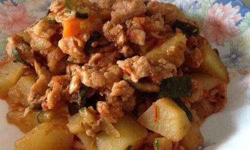 Spezzatino di soia con zucchine e patate