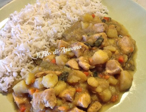 Curry rice con pollo e patate