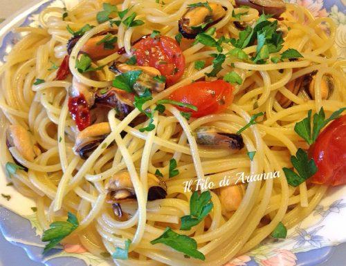 Spaghetti cozze  e pomodorini