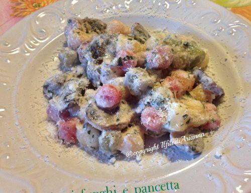 Gnocchi funghi, salsiccia e gorgonzola