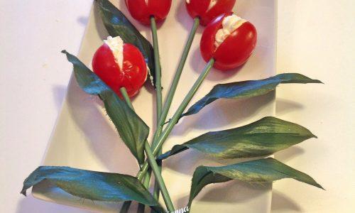 Pomodori farciti a tulipano