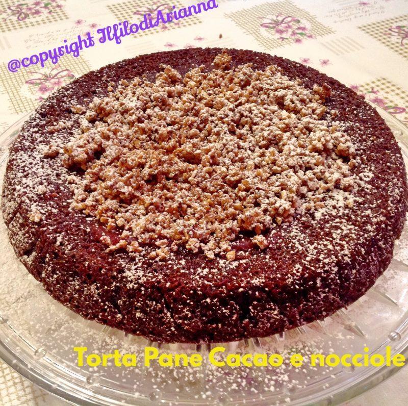 Torta Pane Cacao e Nocciole tostate