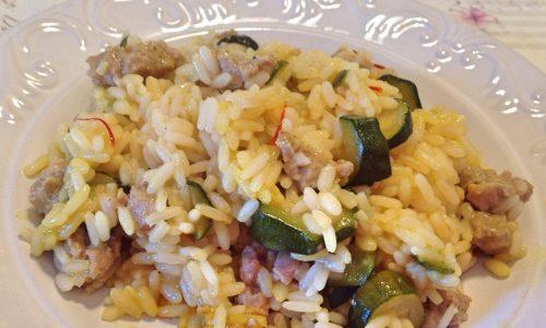 Risotto salsiccia, zucchine e zafferano
