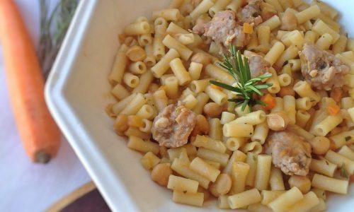 Pasta ceci e salsicce…ricetta ricca