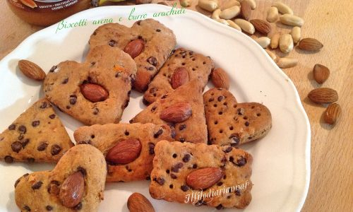 Biscotti proteici di avena e burro di arachidi